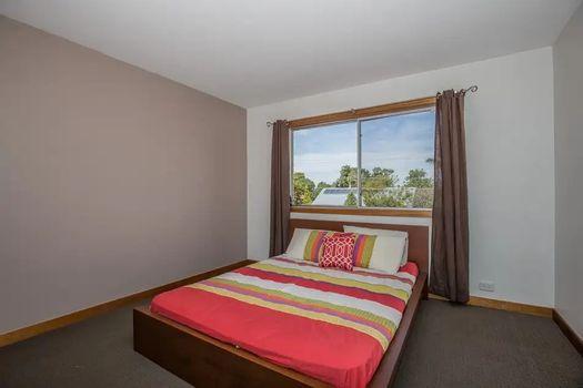 Bedroom 1 Instarent