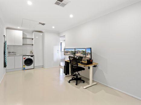 Garage / Laundry Instarent