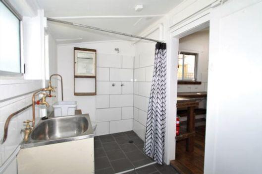 Bathroom and Laundry Instarent
